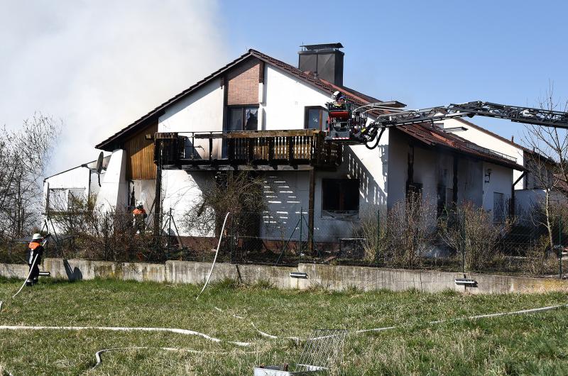B4 Person – Brand eines Einfamilienhauses